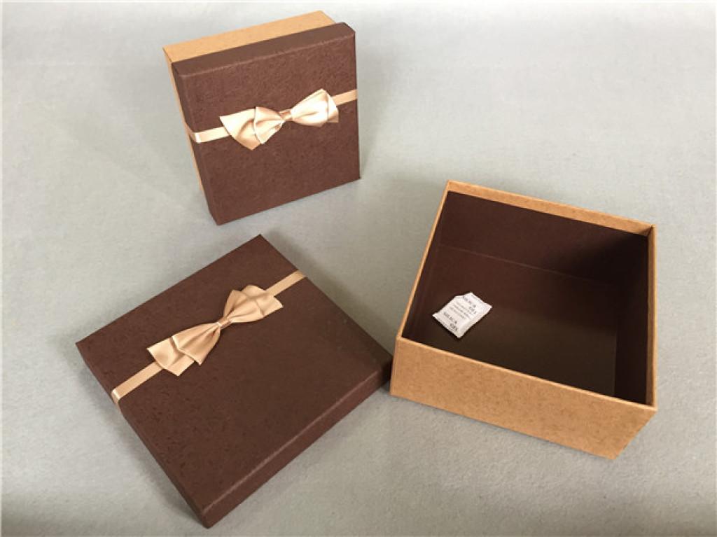 新款礼品盒正方形包装盒商务礼品包装盒生日礼盒
