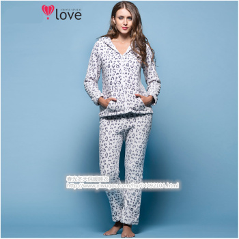 The new winter leopard lady zipper cardigan coral velvet suit flannel pajamas Home Furnishing