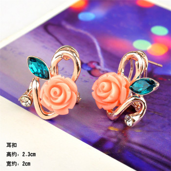 The New South Korean female temperament Pearl Earrings Earrings Sterling Silver Stud Earrings Korean fashion jewelry