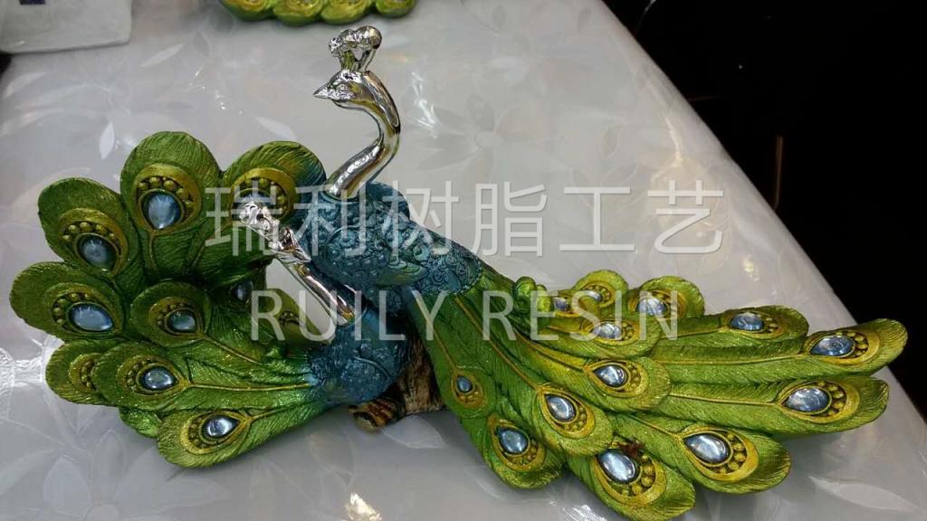 树脂工艺品摆件 动物 彩绘 孔雀共舞