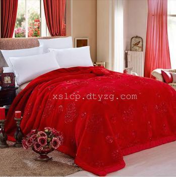 大红色婚庆丝带绣花拉舍尔毛毯双层加厚10斤毛毯