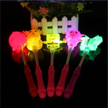 The new electronic flashing light-emitting toys cartoon spread hot toys