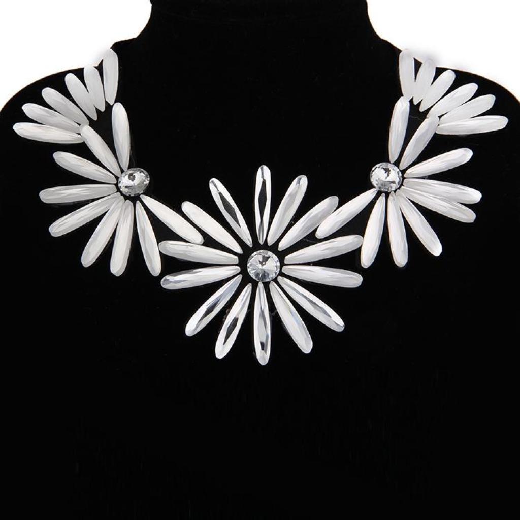 2015新款 欧美玻璃项链 花朵 小清新款假领