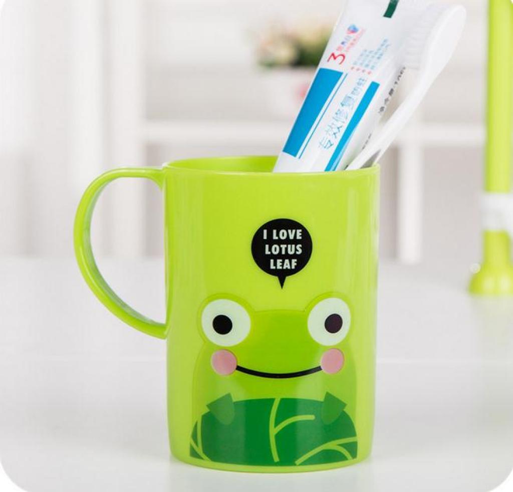 卡通漱口杯情侣刷牙杯儿童果汁饮料喝水杯子
