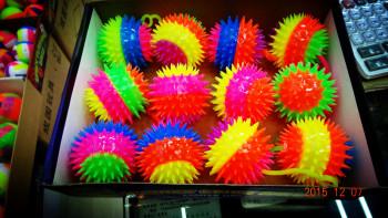 7.5 cm 4 color massage ball inflatable ball Mao Maoqiu TPR toys