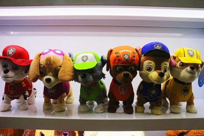 Explosion of plush toys, electronic toys, Russian / English singing walking dog patrol team