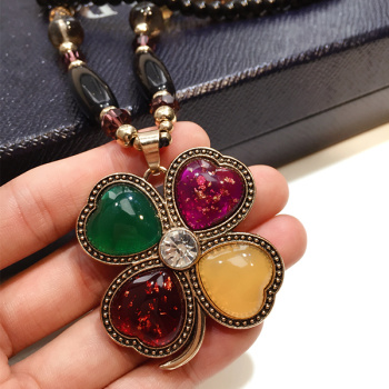 Korea female  Clover Necklace Pendant pendant jewelry accessories wholesale ladies sweater chain