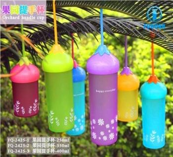 厂家直销水果达人创意手提塑料水杯2425  01