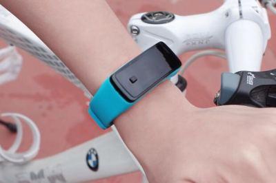 The new energy-saving luminous LED Bracelet