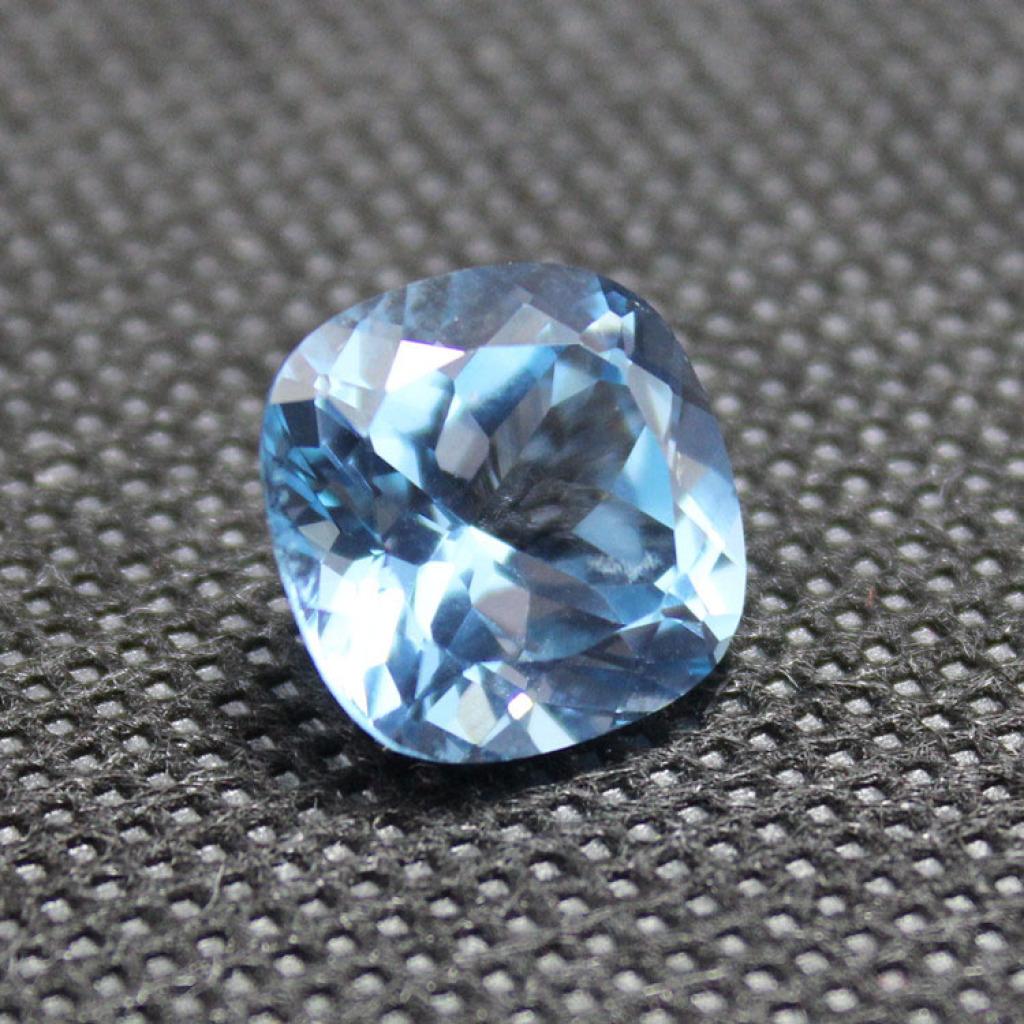 顶级蓝色尖晶石裸石天蓝石戒指戒面斯里兰卡胖正方形尖晶蓝宝石