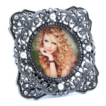 Retro hollow metal frame 3 inch mini frame