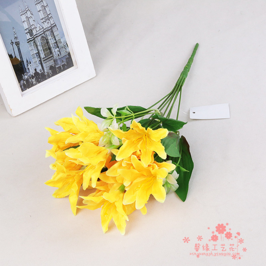 Supply wholesale new lily flowers plastic silk flower New flower decoration