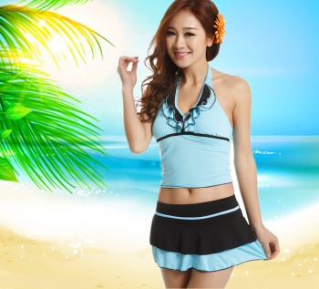Small chest gather split swimsuit swimsuit fashion hot spring