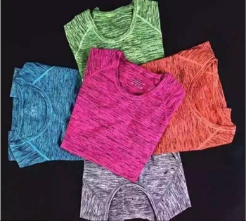 Section of the women in the body of ice dyeing clothes yoga clothing fitness clothing running gym speed dry coat