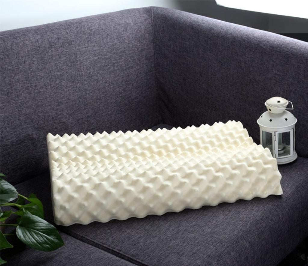泰国乳胶枕 促进睡眠按摩颗粒老人枕头进口乳胶狼牙枕