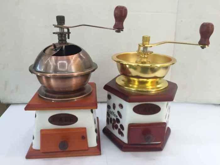 Supply Antique Ceramic Coffee Mill Hand Coffee Grinder
