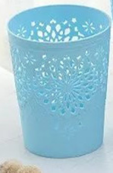 家用创意欧式圆形塑料纯色幸运雕花半镂空花纸篓小号