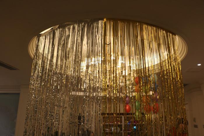 婚礼布置生日派对装扮用品闪闪雨丝帘气球周岁百天背景装饰