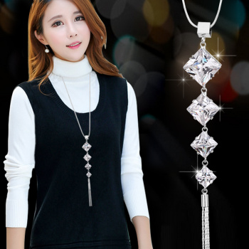 A long paragraph sweater chain necklace all-match Korea female clothing accessories simple crystal  jewelry fashion