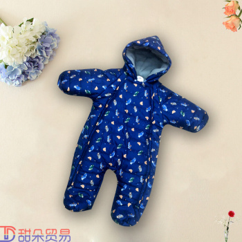 Yiwu to buy baby clothes baby romper autumn and winter winter born out thick cotton padded jacket
