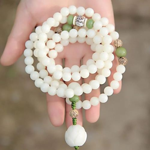 Natural authentic white Bodhi root hand chain bracelet lady sweater chain fall