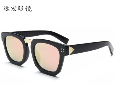 2017 burst fashion sunglasses, couple with the paragraph