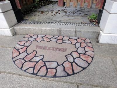 Semi circular welcome mat wear non slip rubber pad