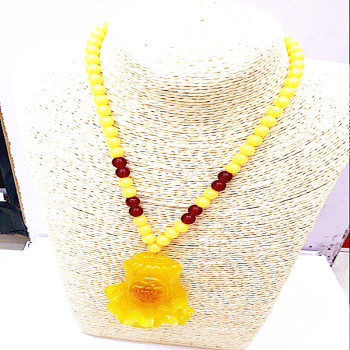 The new sweater chain Rose Pendant Drop beeswax Goldfish Flower Necklace
