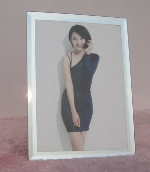 Simple glass table photo studio certificate box gift boutique factory direct wholesale company