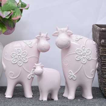 European hot ceramic crafts ornaments sweet rattan cattle animal study the living room decoration