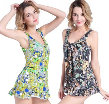 Hot spring beach bathing suit new one-piece swimsuit big code to get the meat thin sexy sexy swimsuit