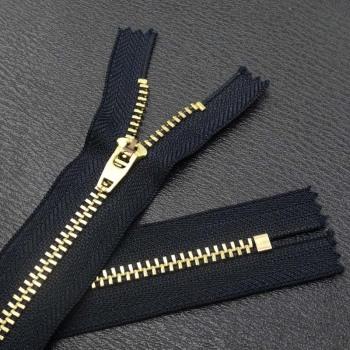 Factory direct selling 4# metal zipper jeans zipper pants zipper Y copper zipper