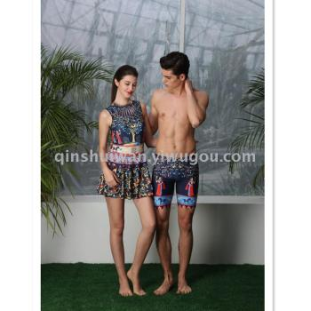 The couple is a stylish swimsuit with a stylish swimsuit
