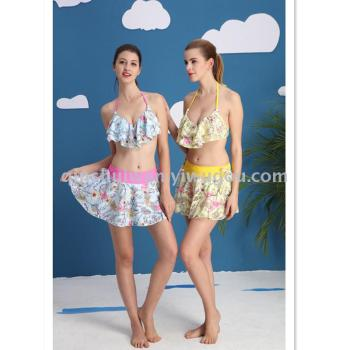 Stylish swimsuit blouses with small breasts and hot spring swimsuits