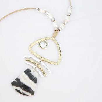 金色鱼骨形状花纹石头鱼尾项链
