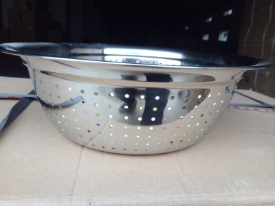 The multipurpose washing rice sieve stainless steel