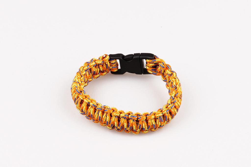 时尚手工编织七芯伞绳手链