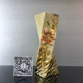 Handmade ceramic shell vases