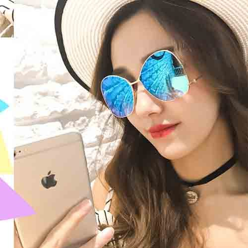 RETRO SUNGLASSES with sunglasses
