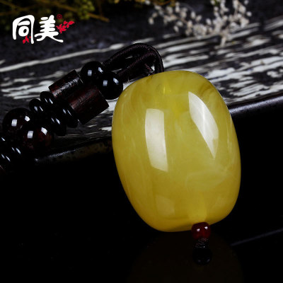 The new sweater chain necklace all-match imitation wax synthetic resin high imitation beeswax beeswax Large Pendant