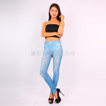 Show off the new style of wearing a new denim jeans wearing gray underwear wholesale