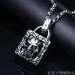 Europe retro punk wind stainless steel pendant lock core skull personality fashion titanium steel necklace