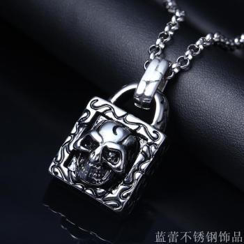 Europe retro punk wind stainless steel pendant lock core skull personality fashion titanium steel necklace