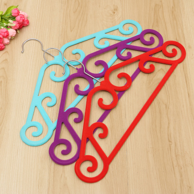 The new fashion high-grade flocking hanger magic hanger anti-slip indentation hanger