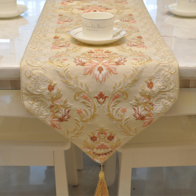 The new European style jacquard pink long scarf tablecloth is called with tablecloth.