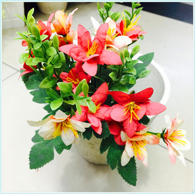 Simulation of European small flower tea rose wholesale imitation flower artificial flowers artificial flowers.