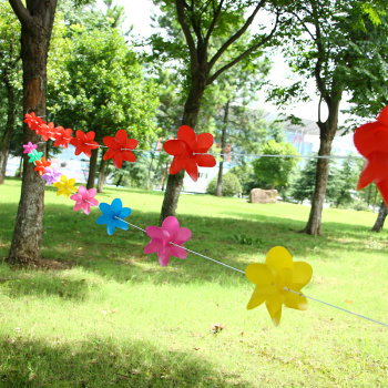 Solid color hex string 17CM leaves the wind plastic waterproof outdoor scenic kindergarten holiday decorative windmills