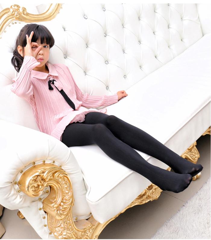 小女孩穿白丝连袜 女生穿白丝连袜 女_小女孩白丝长袜图片_小女孩白丝长袜图片下载