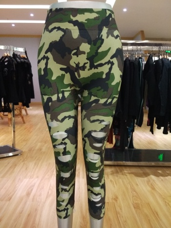 Europe and the hole Camo Army Green print leggings