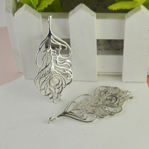 Leaf flame leaf pendant openwork pendant factory jewelry accessories wholesale trade direct purchasing